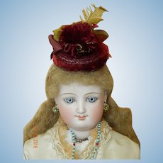 Fine antique French fashion bonnet