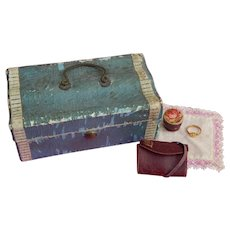 Antique French fashion trunk & accessories