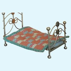 Charming vintage metal bed & quilt for dollhouse
