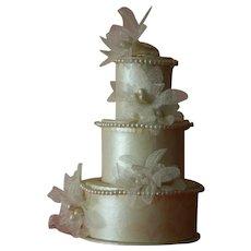 Pretty vintage wedding cake for doll display