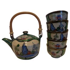 Vintage Japanese Ceramic Teapot Bamboo Handle 5 Cups Hand Painted