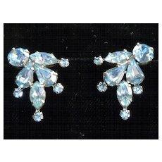 Vintage Weiss Blue Rhinestone Earrings