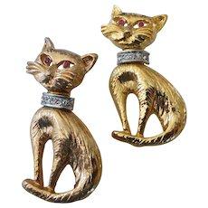Gold Tone Cat Brooch Pair with Rhinestone Collars