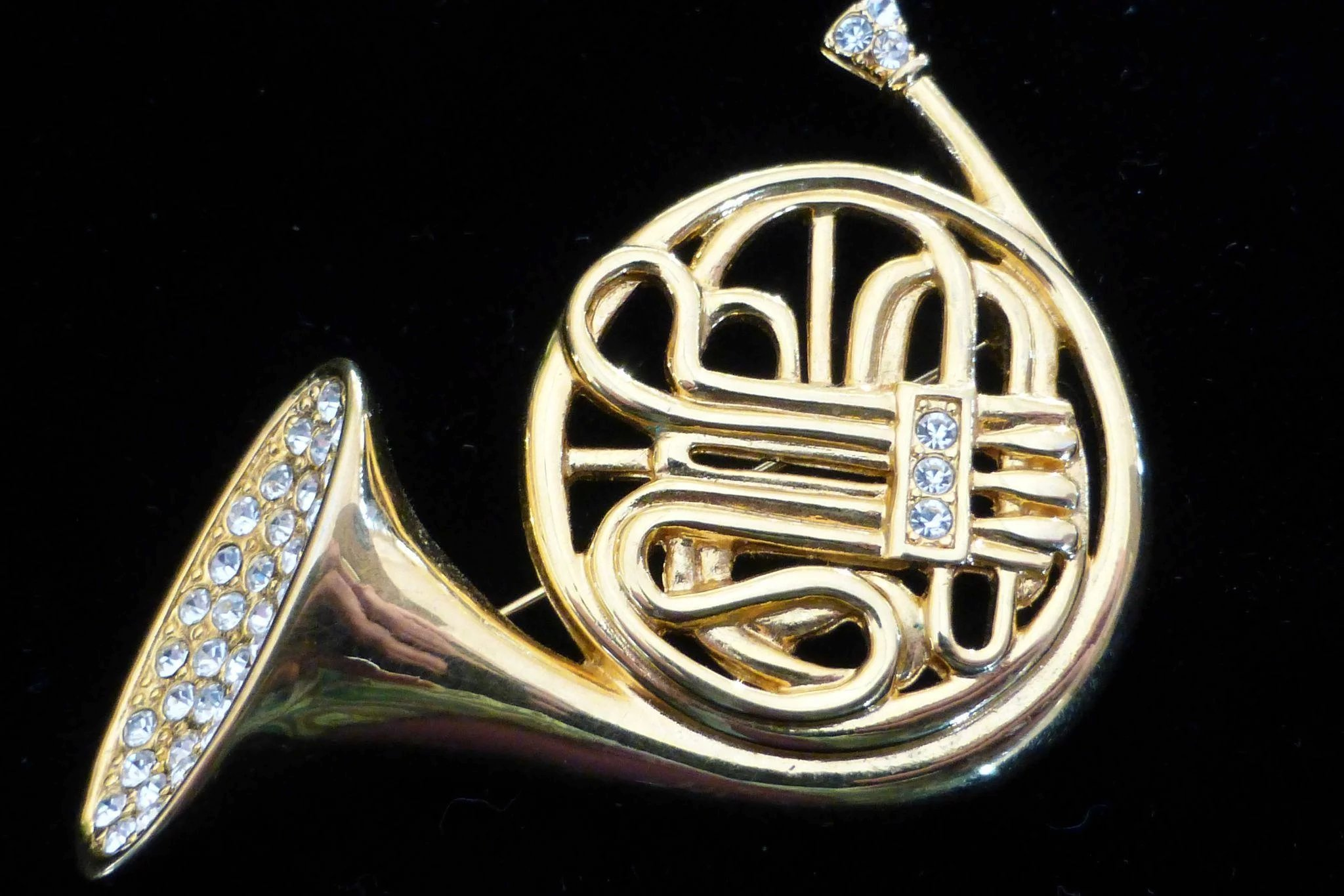 ... French Horn Brooch Pin. Click To Expand