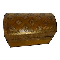 Italian Florentine Keepsake Box Gold Gilt & Hand Painted Gesso On Wood
