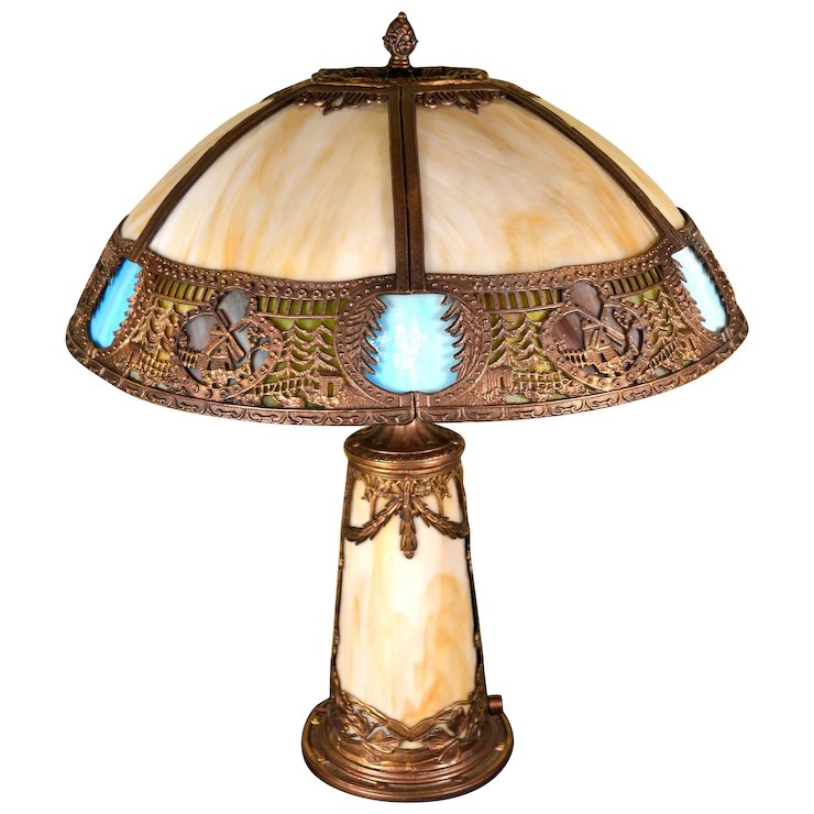 Slag Gl Panel Lamp With Lighted Base And Multicolored Border