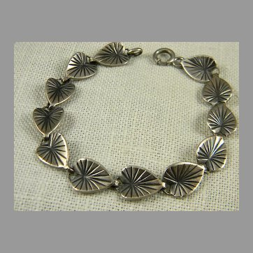 Charming Danecraft Sterling Lily Pad Bracelet