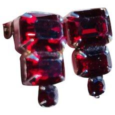 Vintage Weiss clip on earrings ruby red rhinestones