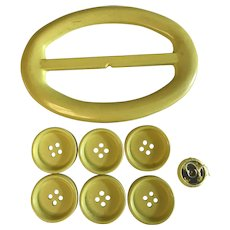 Vintage set of yellow belt buckle and 6 buttons