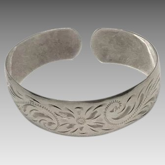Birks sterling silver chased floral design cuff bracelet for a toddler / child