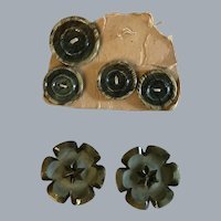 Lot vintage celluloid green buttons