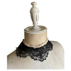 Bella Bordello Antique Victorian Black Chantilly Lace Collar