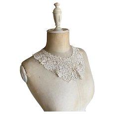 Bella Bordello Antique Befordshire Bobbin Lace Collar