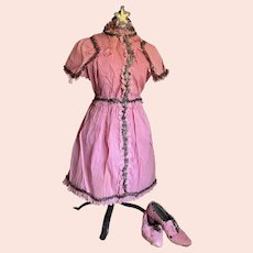 Bella Bordello RARE Vintage Pink Crepe Paper Dress Costume Set Headdress Star Shoes Scalloped Hem Silver Tinsel