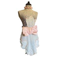 Bella Bordello Vintage Apron Smock Front White Embroidered Pale Pink Scalloped Lace Trim