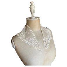 Bella Bordello Antique Ecru Lace Collar bobbin Embroidered