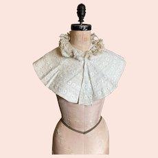 Bella Bordello Antique White Embroidered Collar
