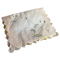 Bella Bordello Antique Hankie Holder Envelope White Embroidered Linen Daisies Scalloped Yellow Silk