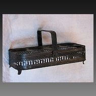 French toleware carrier