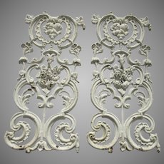 Late 19th Century Pair of Cast Iron Grates Fruit and Flower Motif White Paint
