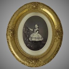 Late 19th Century Oval Gilt Frame With Flower Motif and Photograph by Frederick F Gutekunst