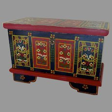 Vintage Miniature Painted Blanket Chest Folk Art Doll Doll House