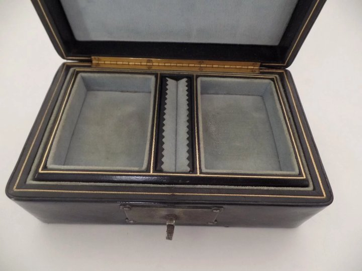 Vintage Jewelry Box Made in Italy for Bloomingdales Gothic Clasp