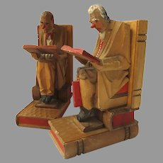 Pair Vintage German Carved Wood Old Men Reading Books Bookends Great Detail