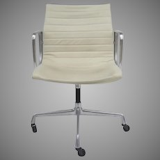Set of Four (4) Vintage Herman Miller Charles and Ray Eames Management Chairs