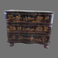 European Chinoiserie Japanned Serpentine Chest of Drawers