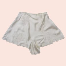 Vintage 1940's Tap Pants Cream Colored Embroidered Ribbon Motif