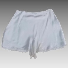 Vintage 1930's 1940's Tap Pants Light Blue Embroidered Flower Motif