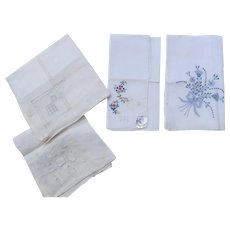 Four (4) Very Nice Vintage Linen Cotton Embroidered Applique Handkerchiefs New with Labels Desco