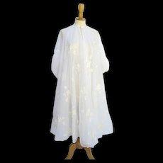Vintage 1950's Eye-Ful Embroidered Robe Peignoir Full Swing Off-White Ribbons