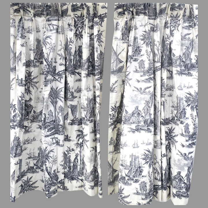 Toile Black White Lined D Pinch