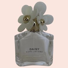 Marc Jacobs Perfume Bottle Daisy