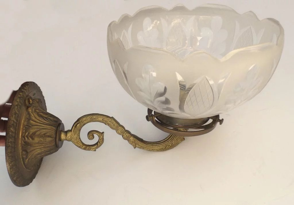Vintage Gas Light Style Wall Sconce With Etched Gl Shade Click To Expand