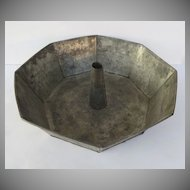 Vintage Large Tin Bundt Mold Pan