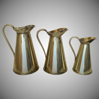 3 x Graduated Solid Brass 1900's Hot Water Jugs Pitchers Ewers by Beldray Country Kitchen