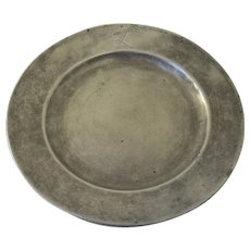 English 18th Century Pewter Plate with Coat of Arms Family Crest Armorial