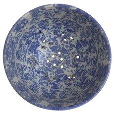 Vintage Pottery Stoneware Sponge Ware Fruit Strawberry Bowl Colander Blue and White Side Handles