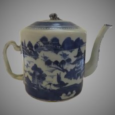 Chinese Export Early 19th Century Canton Blue and White Tea Pot