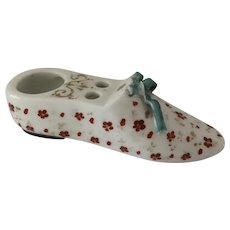 1900's Hand Painted Shoe Shaped Inkwell Bow