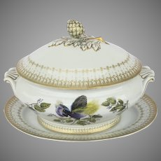 Mottahedeh Blue Bird of Paradise Oval Tureen with  Underplate Charger