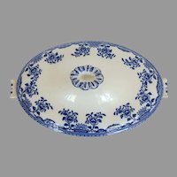 Late 19th Century Wedgwood Blue and White Covered Vegetable Chusan England
