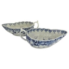 Pair of English Worcester Blue and White Sauce Boats c 1775 Donut Tree Pattern