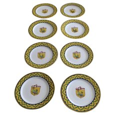 "Vintage Set of Eight (8) Italian Faience Grazia Deruta Pottery Chargers 13"" Shield Crest Caterpillar"