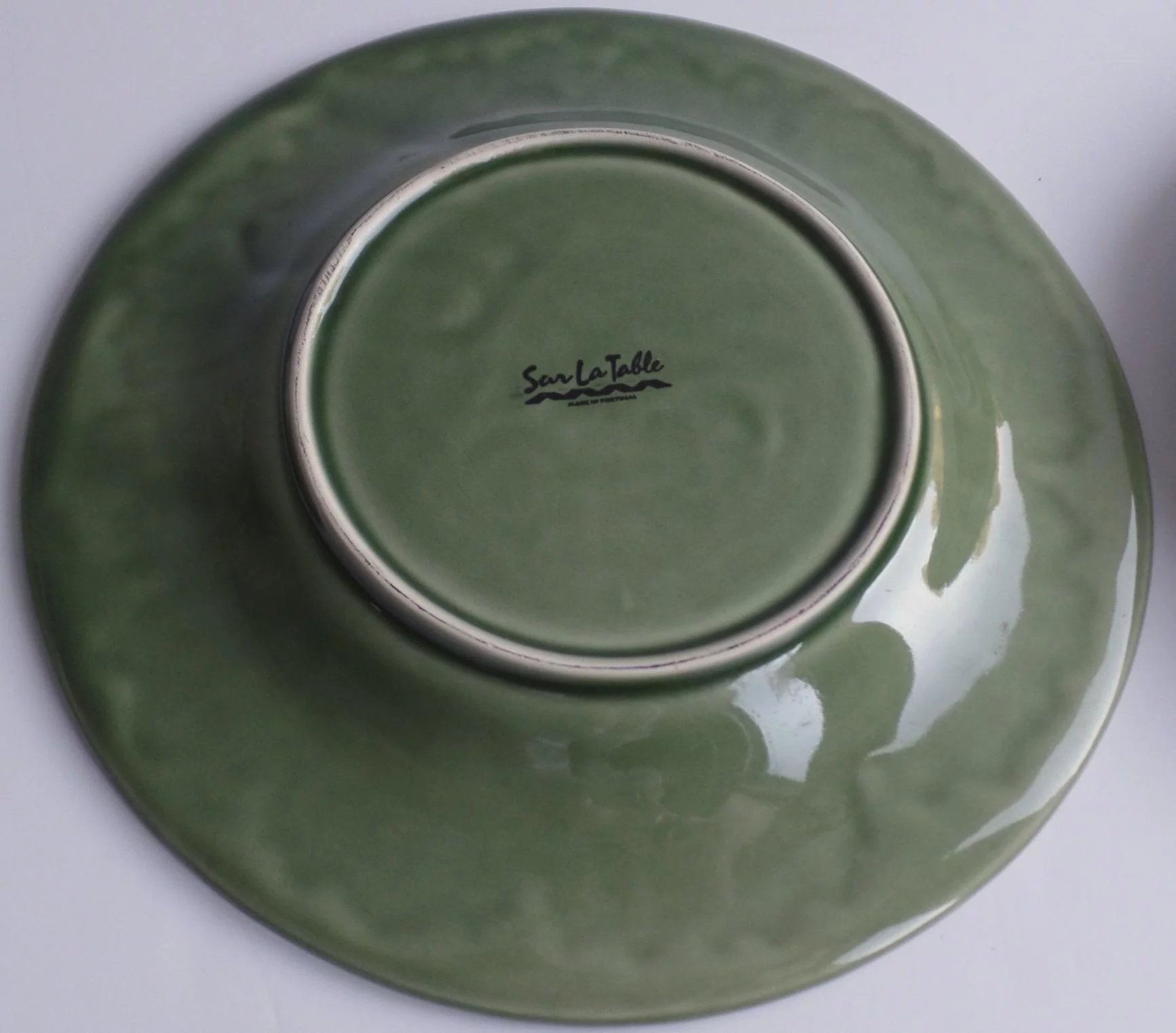 Click to expand & Set of 6 + 1 Majolica Cabbage Leaf Plates by Sur la Table : Black ...
