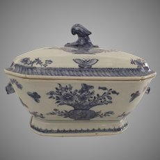 Chinese Export Blue and White 18th Century Tureen and Cover Vase Flowers Butterflies