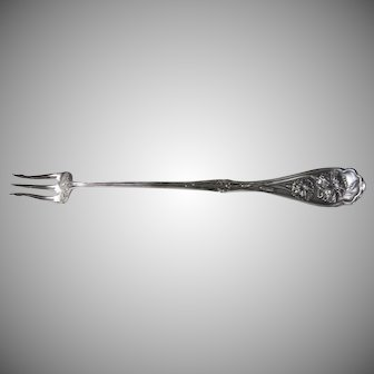 1908 Wm Rogers Keysone Silverplate Carnation Long Handled Pickle Olive Fork
